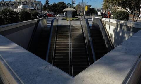 Ρεπορτάζ Newsbomb.gr - Lockdown: Άδειο το μετρό - Απίστευτες εικόνες