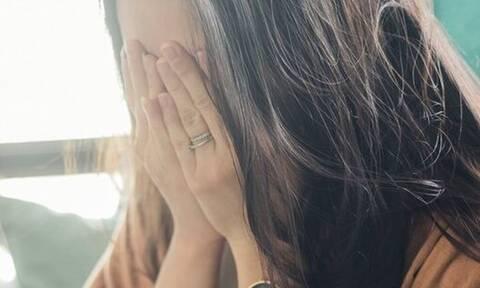 «Μπορεί να βγάζω σπυράκια στο πρόσωπό μου επειδή κλαίω»; Ιδού η απάντηση