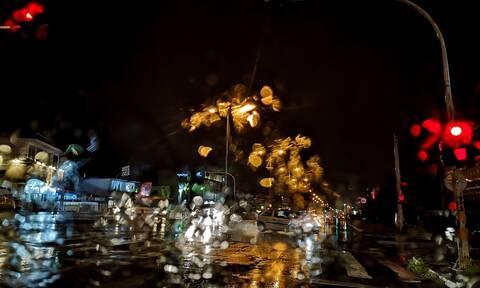 Καιρός: Ισχυρές βροχές και καταιγίδες στην Κρήτη - Ποιες περιοχές «βούλιαξαν»