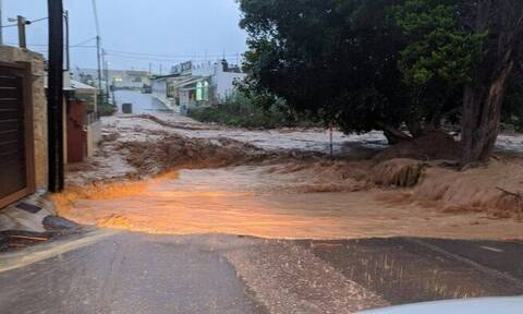 Κακοκαιρία: «Πνίγεται» πάλι η Κρήτη – Λάσπη και καταστροφές στη Χερσόνησο (pics)