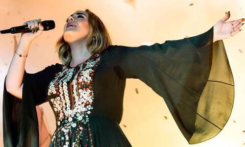 Η Adele επέστρεψε στο Λονδίνο για έναν πολύ σοβαρό λόγο