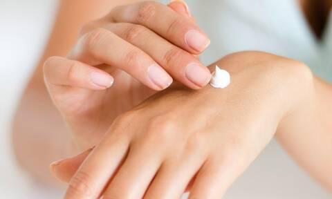 Μήπως η κρέμα χεριών δεν επιτρέπει στο αντισηπτικό να έχει πλήρη δράση;