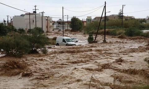 Εικόνες Αποκάλυψης στην Κρήτη: Εκκενώνεται χωριό - Παντού λάσπη και καταστροφή