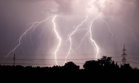 Άστατος ο καιρός την Τετάρτη: Πού θα σημειωθούν βροχές και καταιγίδες τις επόμενες ώρες