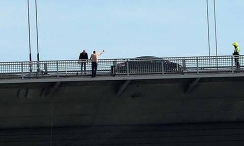 Τραγωδία στο Αίγιο - Άνδρας βούτηξε από γέφυρα στο κενό