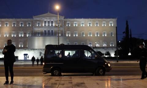 Lockdown: Απαγόρευση κυκλοφορίας σε όλη την Ελλάδα - Οι εξαιρέσεις για τις μετακινήσεις