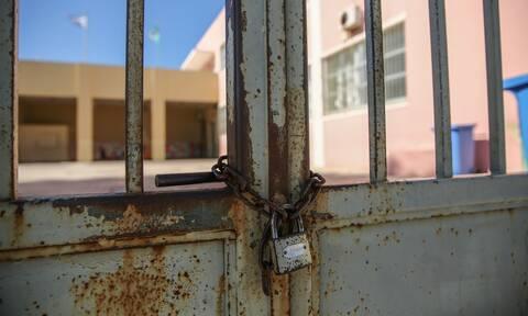 Πέτσας: Πιθανό να κλείσουν τα σχολεία και να παραταθεί το lockdown