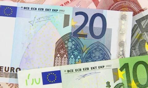 Επίδομα των 800 ευρώ: Ποιοι οι δικαιούχοι και πότε θα το λάβουν