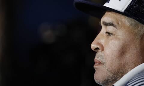 Ντιέγκο Μαραντόνα: Η πρώτη φωτογραφία μετά την επέμβαση στο κεφάλι