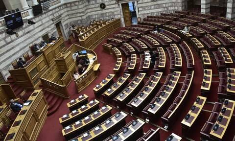 Ψηφίσθηκε κατά πλειοψηφία το νομοσχέδιο για το ηλεκτρονικό εμπόριο