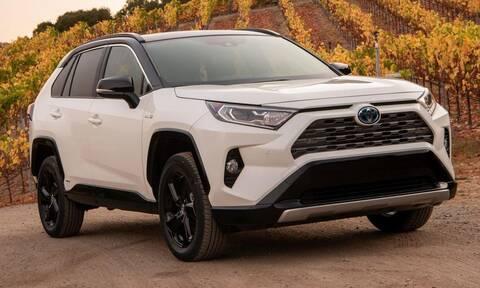 Απίστευτο: Η Nissan παρέχει test drive με Toyota για να προωθήσει τα δικά της αυτοκίνητα!