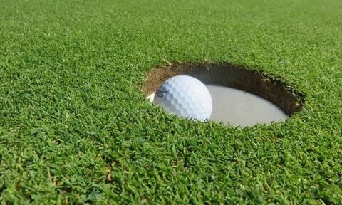 Η πιο πετυχημένη πρώτη βολή στην ιστορία του γκολφ! Χρειάστηκε και… τύχη (video)