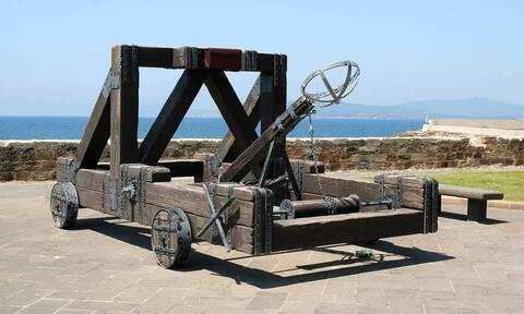 Είχαν οι αρχαίοι Έλληνες όπλα μαζικής καταστροφής; Κι όμως είχαν…