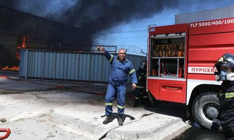 Φωτιά τώρα: Στις φλόγες εργοστάσιο στον Ασπρόπυργο - Συναγερμός στην Πυροσβεστική