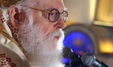 Архиепископ Албании заразился коронавирусом и доставлен в Грецию на лечение