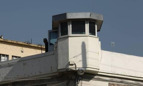 Φυλακές Κορυδαλλού: Συνελήφθη σωφρονιστικός που προσπάθησε να περάσει ναρκωτικά