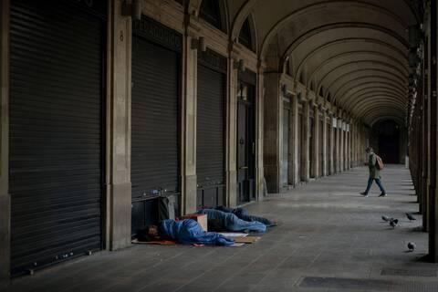 Κορονοϊός: Η ΕΕ κρούει τον κώδωνα του κινδύνου για περισσότερους από 4.000.000 αστέγους