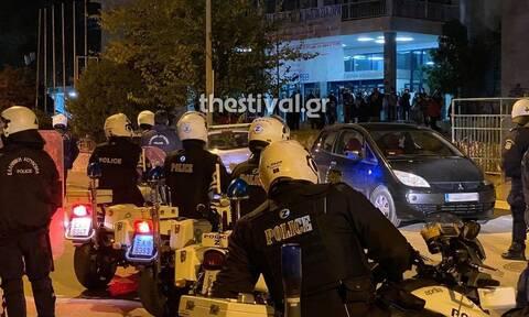 Θεσσαλονίκη: Συναγερμός στην Αστυνομία - Άτομα συγκεντρώθηκαν στις φοιτητικές εστίες