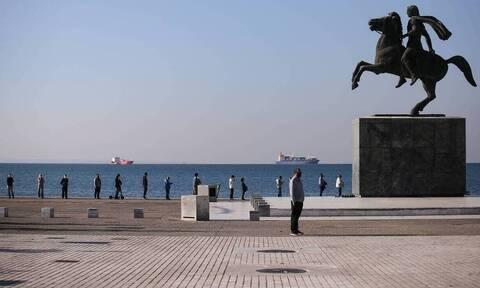 С сегодняшнего дня в Салониках введены новые меры по борьбе с COVID-19
