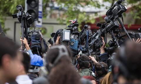 Απίστευτο βίντεο: Γέφυρα κατέρρευσε δίπλα από δημοσιογράφο (video)