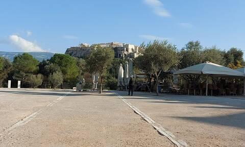 Lockdown: Φωτογραφίες από το τρομακτικό άδειο κέντρο της Αθήνας (pics)