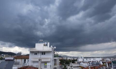 Καιρός: Βροχές και καταιγίδες το Σάββατο - Πού θα «χτυπήσουν» τα φαινόμενα