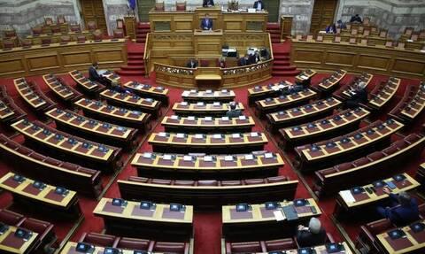 Βουλή: Πέθανε ο γιατρός Γιάννης Μητρόπουλος που νοσηλευόταν λόγω κορονοϊού