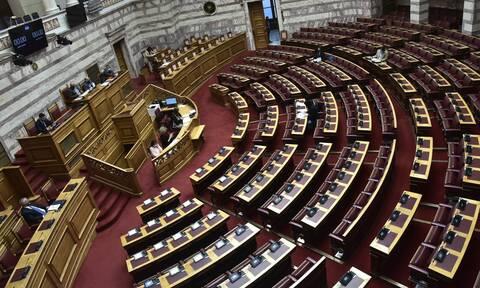 Γιάννης Μητρόπουλος: Θρήνος στη Βουλή για το γιατρό της – Έχασε τη μάχη με τον κορονοϊό