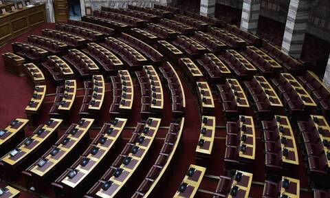 Ο συγκλονιστικός αποχαιρετισμός στον γιατρό της Βουλής που νικήθηκε από τον κορονοϊό