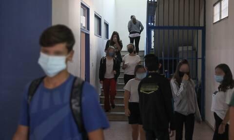 Κορονοϊός: Κλείνουν τα σχολεία - Τα μέτρα που θα ανακοινώσουν Κεραμέως, Κικίλιας, Θεοδωρικάκος