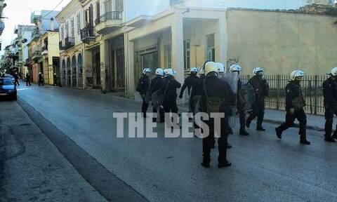 Πάτρα: «Αστακός» η πόλη για την πορεία συλλογικοτήτων - Έκλεισαν δρόμοι (pics+vid)