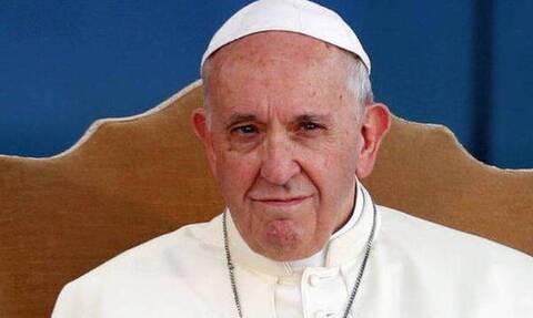 Σάλος: Ο Πάπας Φραγκίσκος έκανε like σε ημίγυμνο μοντέλο στο Instagram
