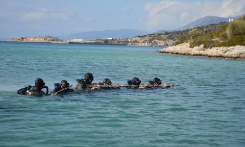 Ένοπλες Δυνάμεις: Τα «βατράχια» Ελλάδας και Αιγύπτου δίνουν δυναμική απάντηση στην Τουρκία