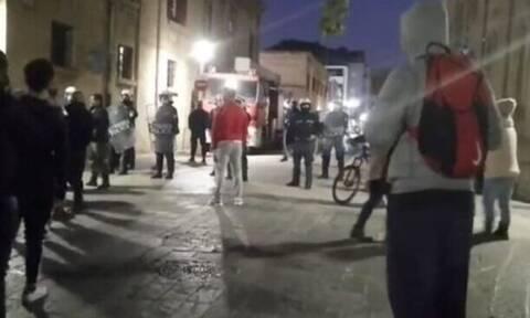 Lockdown: Επεισόδια και συλλήψεις σε συγκέντρωση διαμαρτυρίας στη Ρόδο