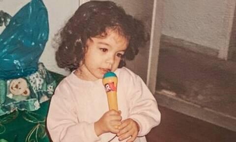 Το κοριτσάκι της φωτογραφίας είναι αγαπημένη Ελληνίδα τραγουδίστρια
