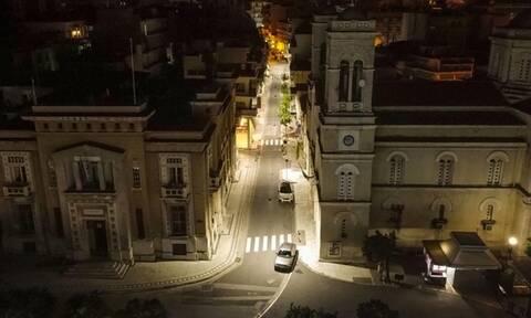 Η Λαμία του lockdown τη νύχτα - Εντυπωσιακές εικόνες από ψηλά