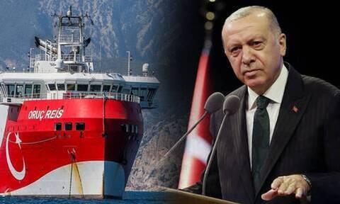 Τουρκία: Επίθεση σε τρία μέτωπα – Στα Βαρώσια ο Ερντογάν, στη Ρόδο το Oruc Reis και η απόλυτη τρέλα