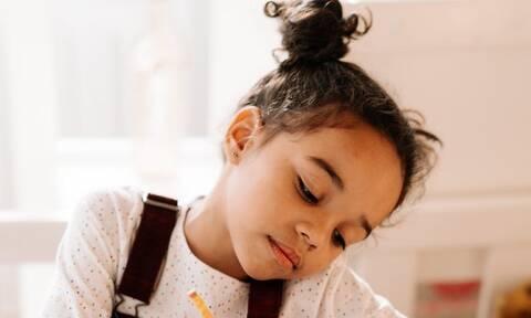 Πώς να βοηθήσετε τα παιδιά να μάθουν από τα λάθη τους