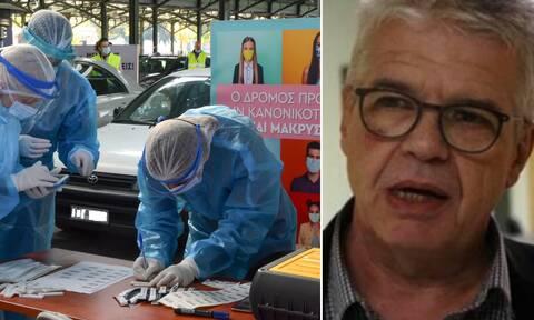 Κορονοϊός – Γώγος στο Newsbomb.gr: Μην περιμένετε τώρα μείωση των θανάτων