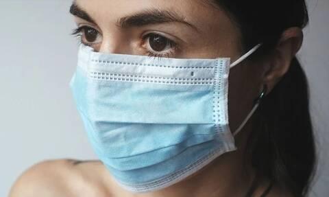 Κορονοϊός: Πείραμα για την αποτελεσματικότητα των μασκών - Αυτή προστατεύει καλύτερα