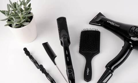 Αυτός είναι ο σωστός τρόπος να πλένεις τη βούρτσα των μαλλιών σου