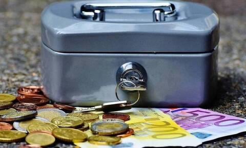 Επίδομα 800 ευρώ: Αυτές είναι οι δύο κατηγορίες εργαζομένων - Πότε θα καταβληθούν τα χρήματα