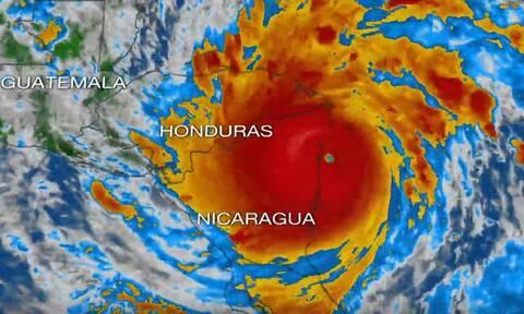Συναγερμός στην Κεντρική Αμερική: Ο ισχυρός κυκλώνας Γιώτα έφθασε πάνω από τη Νικαράγουα