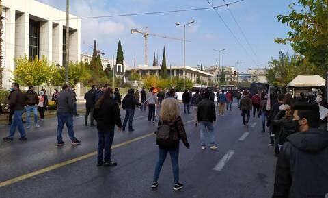 Πολυτεχνείο: Το ΚΚΕ «έσπασε» την απαγόρευση - Πορεία στην Αμερικανική πρεσβεία