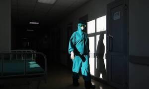 В России из-за коронавируса за сутки умерли 442 человека. Это максимум с начала пандемии