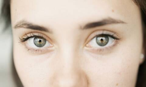 Βαριά & κουρασμένα μάτια; Θαμπή όραση, φαγούρα & ξηρότητα; Τι μπορεί να φταίει