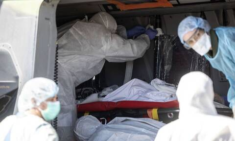Κορονοϊός: Σοκαριστική πρόταση - Εκτός ΜΕΘ οι αρνητές του ιού