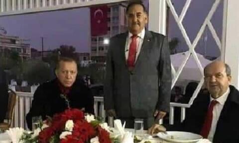 Κράτος - συμμορία η Τουρκία: Ο Ερντογάν φωτογραφήθηκε με το φονιά του Σολωμού