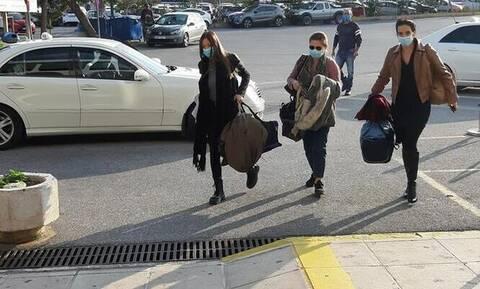 Συγκινητικές στιγμές: Αναχώρησαν για Θεσσαλονίκη οι 10 νοσηλεύτριες - «Ευχηθείτε μας καλή τύχη»