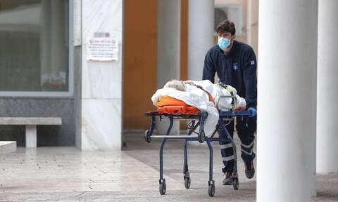 Κρούσματα σήμερα: Σοκ για τη Θεσσαλονίκη με 905, 564 στην Αττική, 207 στη Λάρισα